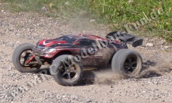 test mit videos des traxxas e revo vxl brushless 1 16 4wd rtr. Black Bedroom Furniture Sets. Home Design Ideas