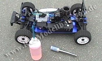 RC Modellbau Verbrenner Auto starten mit Nitro und Kerzenstecker
